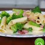 Makaron z brokułami w sosie carbonara
