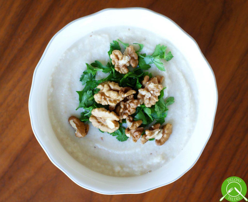 Krem z pieczonych warzyw korzeniowych i gruszki